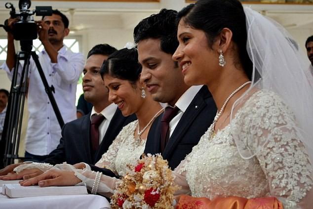 Hoa mắt với đám cưới được hội tụ toàn những cặp đôi song sinh