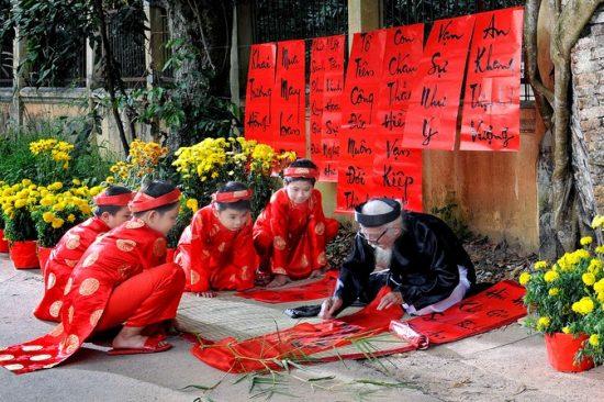 Chúc Tết - Nét văn hóa lâu đời của người Việt