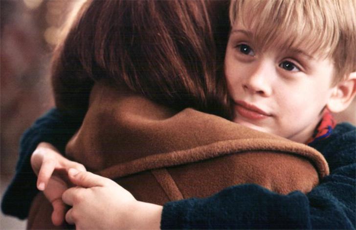 Trẻ em cần rất nhiều tình yêu và sự quan tâm từ cha mẹ
