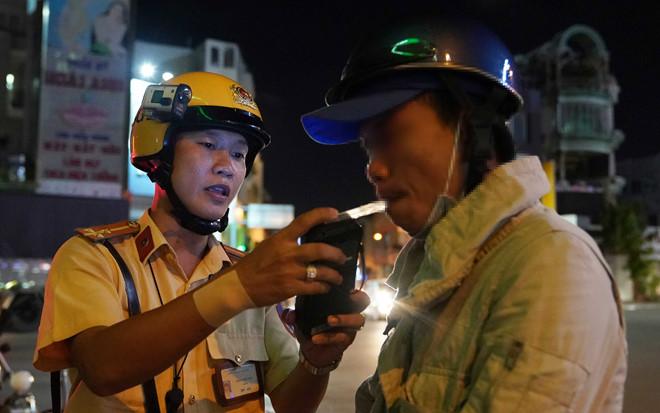 CSGT đeo camera khi làm nhiệm vụ tại TP.HCM.