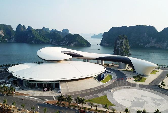 Doanh nghiệp tiếp tục xin tổ chức biểu diễn văn nghệ cho hơn 600 du khách Trung Quốc-2