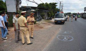 Đồng Nai: Tài xế xe đưa rước làm rơi học sinh xuống đường sử dụng bằng lái giả