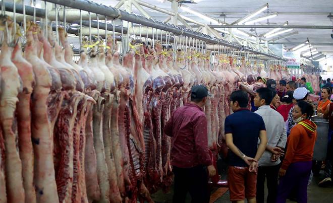 Giá thịt heo tại chợ đầu mối tăng phi mã mỗi ngày.