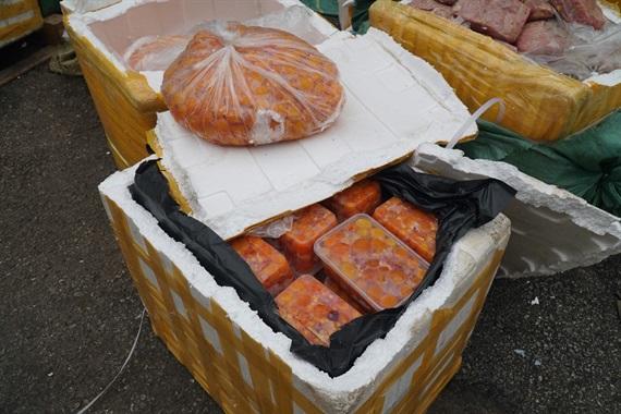 Hà Nội Bắt giữ 5 tấn nội tạng thối trong container đông lạnh của siêu thị Mega Market-6