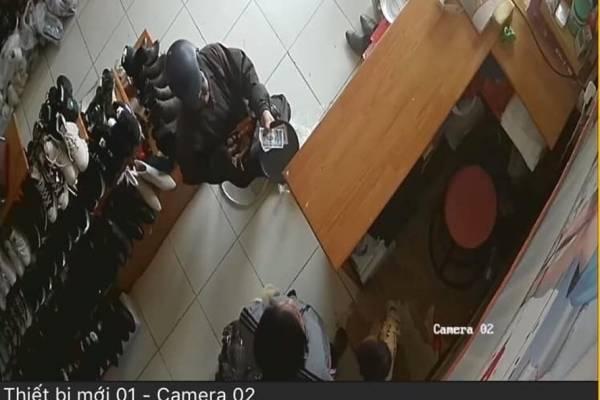 Hải Phòng: Công an đưa ra thông báo về đối tượng bôi mặt đen, cầm đầu gà đi xin tiền