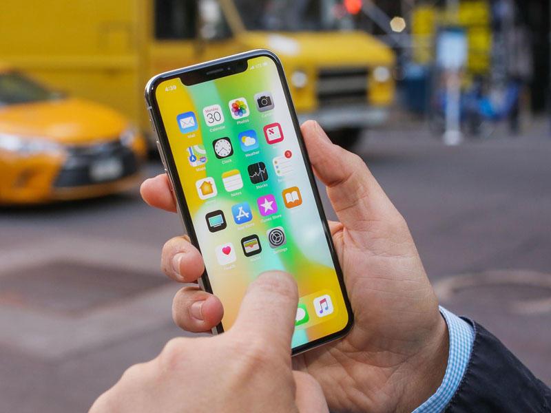 Hành trình 12 năm phát triển của iPhone - iPhone X