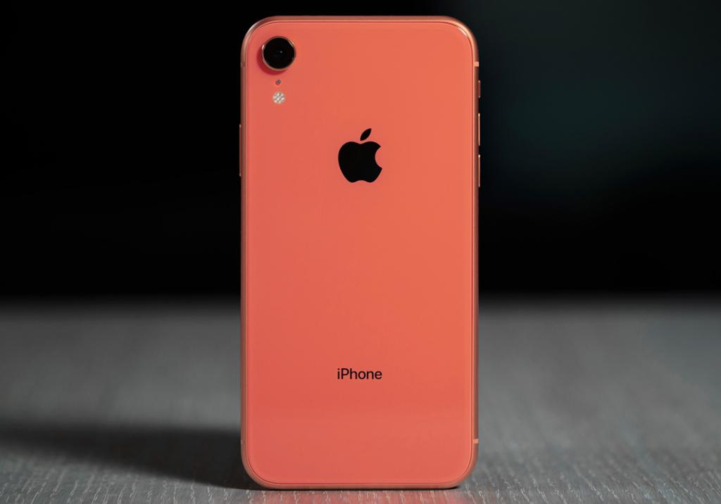 Hành trình 12 năm phát triển của iPhone - iPhone XR