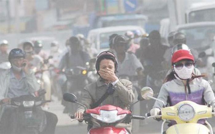 HN-SG Ô nhiễm không khí trầm trọng, người dân đổ xô đi mua bình oxy về để thở-ảnh 1