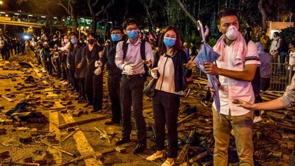 80 giáo viên và hơn 2.000 học sinh bị bắt vì liên quan đến phong trào phản đối dự luật dẫn độ (ảnh 2)