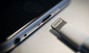 iPhone 2021 có thể bỏ cáp lightning