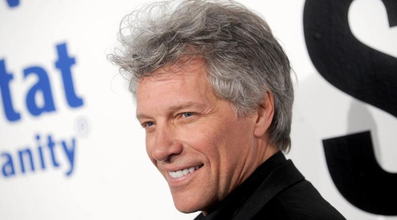 Jon Bon Jovi: Quyên góp nửa triệu đô, xây 77 căn nhà cho cựu chiến binh vô gia cư