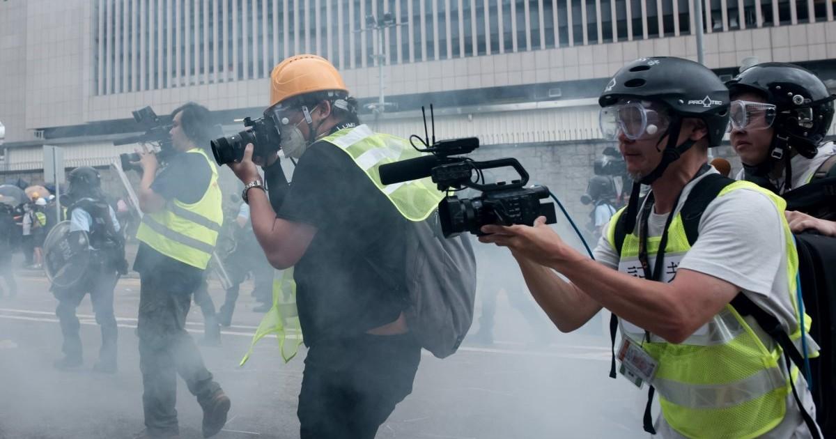 Kênh truyền thông thân Bắc Kinh đứng chót bảng xếp hạng tín nhiệm các phương tiện truyền thông HK (ảnh 1)
