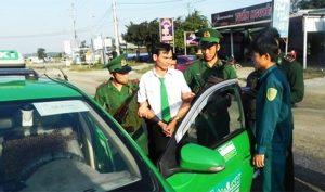 Quảng Ngãi: Mật phục bắt quả tang tài xế taxi Mai Linh vận chuyển ma túy