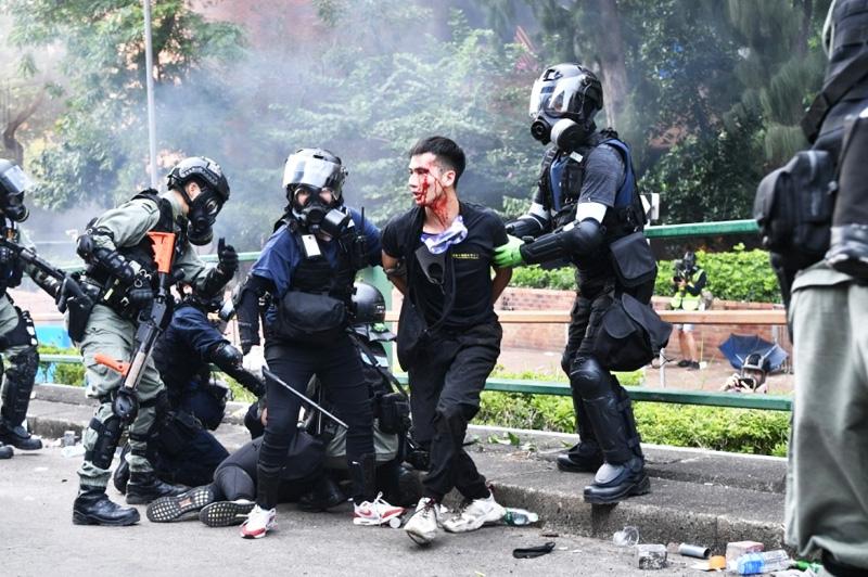 """Hình tượng cảnh sát hoàn toàn sụp đổ trong mắt người dân, đến nỗi bây giờ biệt danh để chỉ lực lượng này là """"cảnh sát đen""""."""