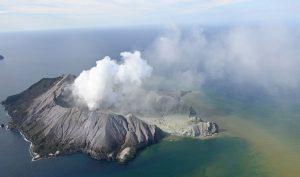 New Zealand: Núi lửa phun trào, ít nhất 5 người thiệt mạng