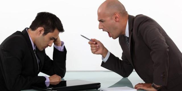 Nhân viên có quyền chấm dứt hợp đồng ngay không cần báo trước nếu bị sếp nhục mạ... (Ảnh qua vietnamnet)