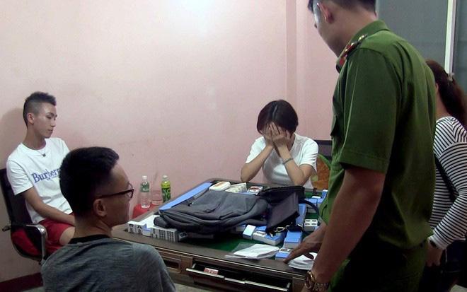 Công an thành phố Nha Trang bắt giữ nhiều người Trung Quốc đánh bạc vào tháng 4/2019.
