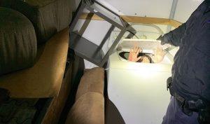 Phát hiện người di cư Trung Quốc trốn trong máy giặt để đến Mỹ