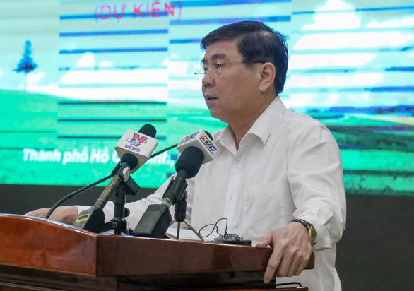 Ông Nguyễn Thành Phong, Chủ tịch UBND TP.HCM, phát biểu chỉ đạo phát biểu hội nghị. (Ảnh qua tuoitre)