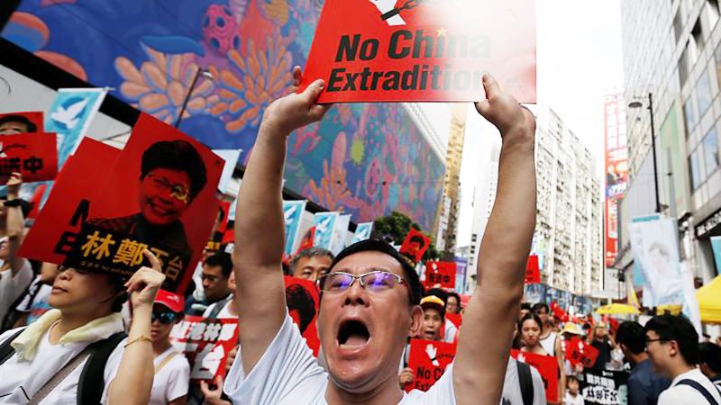 Người biểu tình Hồng Kông xuống đường biểu tình phản đối dự luật dẫn độ.