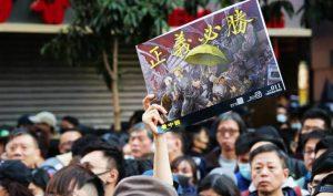 Hồng Kông đang ở giai đoạn chuyển giao của lịch sử, trong hỗn loạn mà thức tỉnh