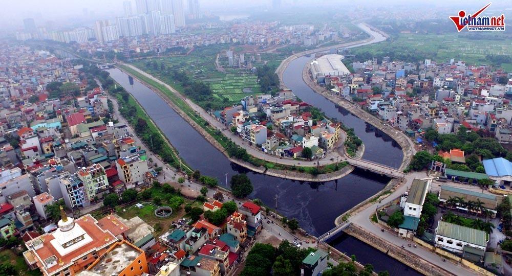 Sông Tô Lịch đoạn chảy qua xã Tả Thanh Oai, Thanh Trì, Hà Nội. (Ảnh qua vietnamnet)
