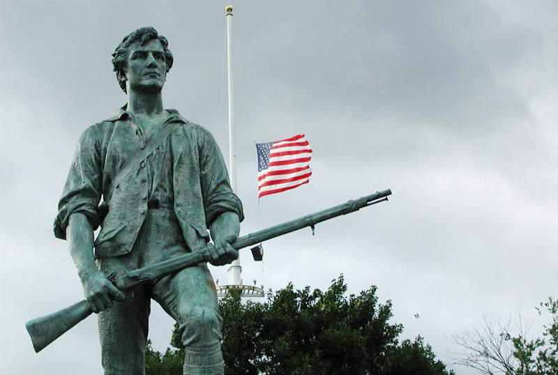 """Tượng đài """"Minutemen"""" – được dùng để gọi lực lượng dân quân tự lập và tự vũ trang tham gia cuộc kháng chiến chống thực dân Anh. Đây cũng được xem là biểu tượng hóa của Tu chính án thứ 2."""