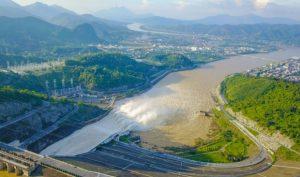 Hồ thủy điện Hòa Bình đang thiếu gần 3 tỷ m3 nước, có thể phải cắt điện