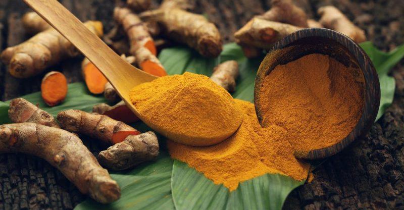 chất polyphenol curcumin có trong nghệ (mang lại màu sắc vàng) cho việc phòng ngừa và điều trị bệnh Alzheimer.