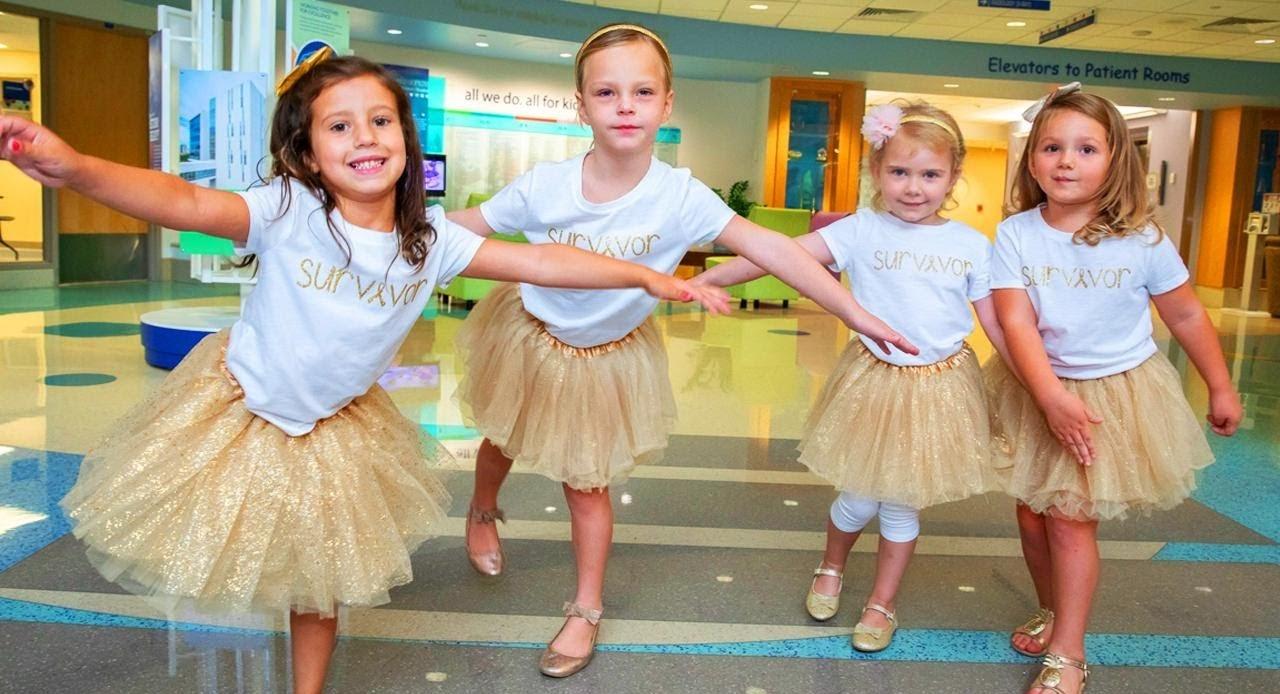 Tình bạn đặc biệt giúp 4 em bé chiến thắng căn bệnh ung thư