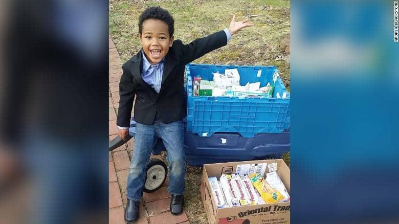 Cậu bé 8 tuổi quyên góp 50.000 USD ủng hộ các cựu chiến binh vô gia cư