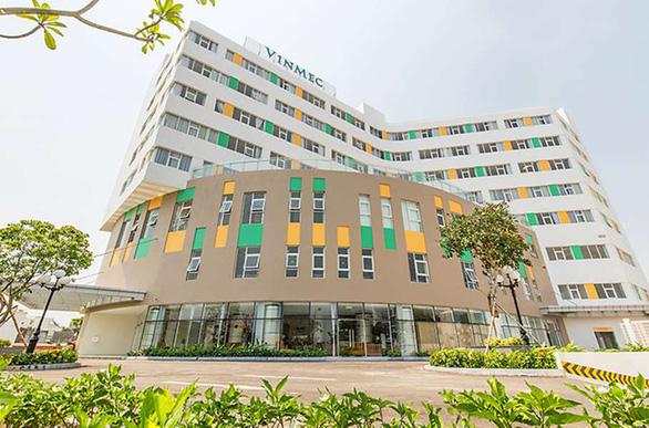 Các bệnh nhân được chuyển đến cấp cứu tại Bệnh viện Đa khoa quốc tế Vinmec (TP. Nha Trang). (Ảnh qua tuoitre)