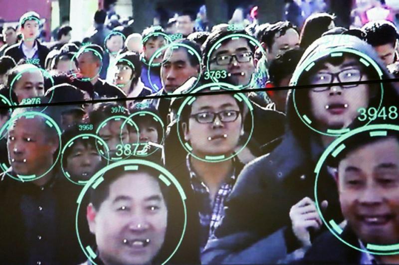 Mỹ và các quốc gia khác sử dụng công nghệ giám sát để theo dõi những kẻ khủng bố hoặc trùm ma túy, còn ĐCSTQ muốn dùng chúng để theo dõi tất cả mọi người.