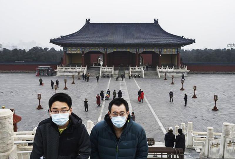 Chính quyền Trung Quốc hạ thấp mức độ nghiêm trọng của căn bệnh, đồng thời cố tình tìm cách ngăn cản việc đưa tin về dịch bệnh.