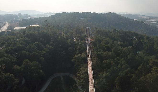 Đà Lạt Sử dụng 27 lao động Trung Quốc để xây dựng cầu kính trái phép-ảnh 1