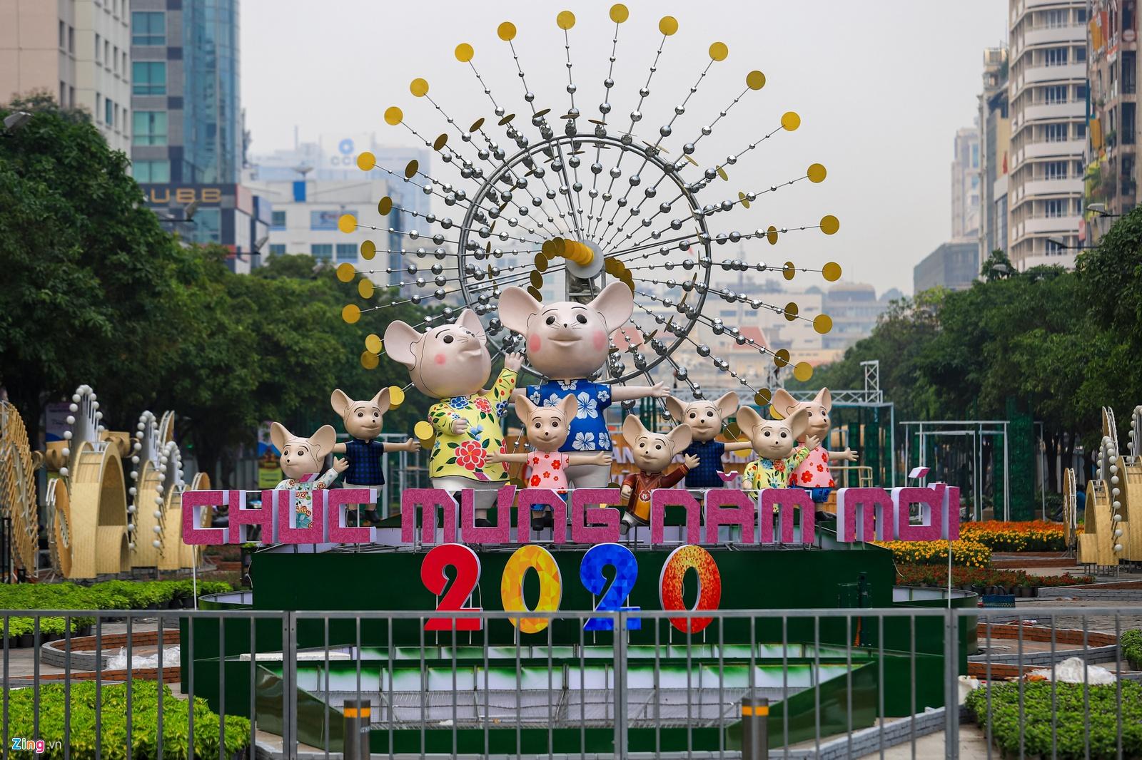 Đường hoa Nguyễn Huệ rực rỡ sắc màu đón xuân Canh Tý 2020. (Ảnh qua Zing)