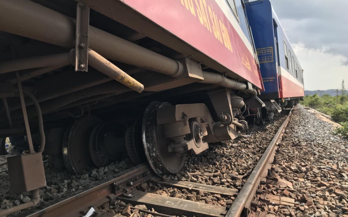 Đường sắt Bắc Nam Đoàn tàu SE3 bị trật bánh trên đỉnh đèo Hải Vân-ảnh 4