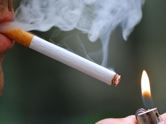 Thuốc lá cũng có thể gây ra dương tính giả với nồng độ cồn.