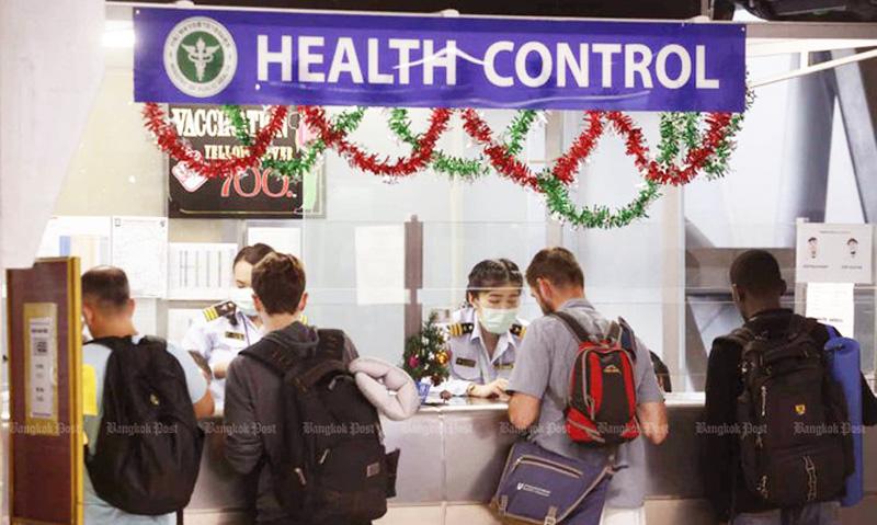 Khách du lịch phải kiểm tra sức khỏe ngặt nghèo trước khi nhập cảnh vào Thái Lan để đề phòng bệnh viêm phổi lạ