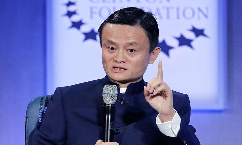 """Jack Ma nói: """"Một ngày có 5 người bạn muốn vay tiền, 10 người bạn muốn bán nhà""""."""