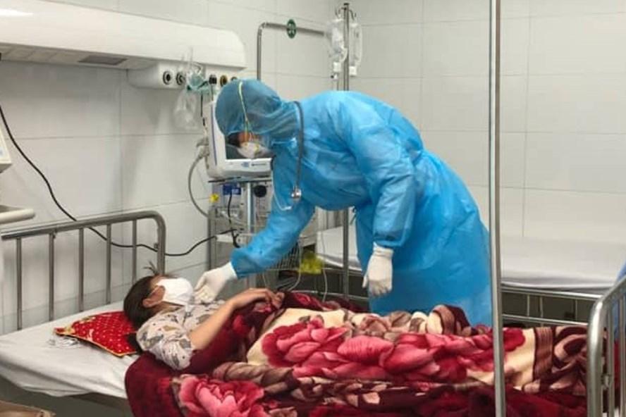 Một bệnh nhân nghi nhiễm virus Corona được điều trị tại bệnh viện đa khoa Thanh Hóa. (Ảnh qua laodong)