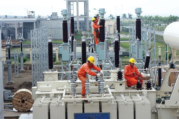 Nợ gần 218.000 tỷ đồng, phải mua điện từ TQ nhưng vẫn 'thừa' để bán 1 tỉ kWh cho Campuchia-2