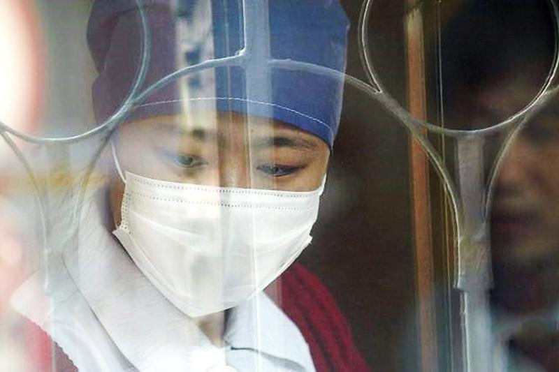 Bộ Y tế cảnh báo bệnh viêm phổi từ Trung Quốc có nguy cơ xâm nhập vào Việt Nam. (Ảnh qua lao dong)