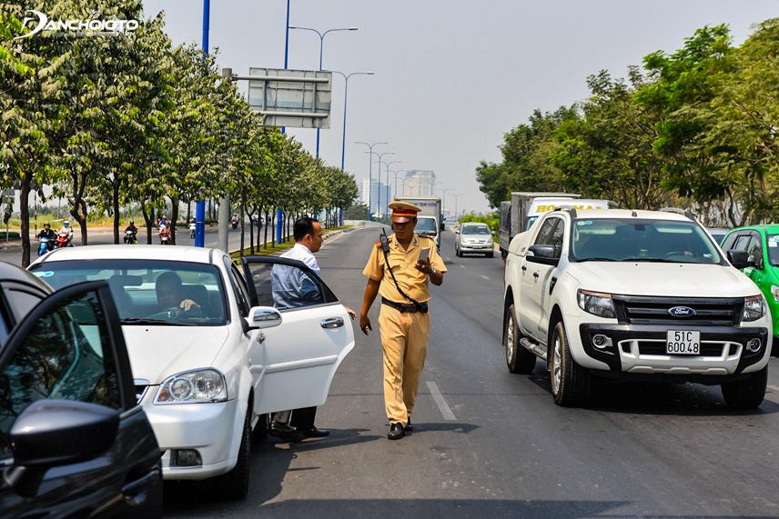 Quên bật xi nhan xin đường, tài xế có thể bị phạt 5 triệu đồng-ảnh 3