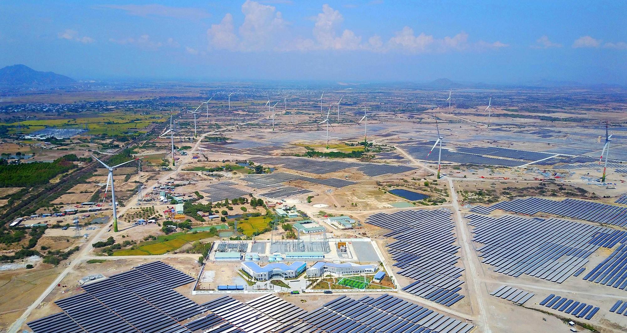 Tập đoàn Trung Nam đề nghị được đầu tư xây dựng trạm biến áp 500kV và đường dây đấu nối để giảm áp cho ngành điện tại Ninh Thuận.