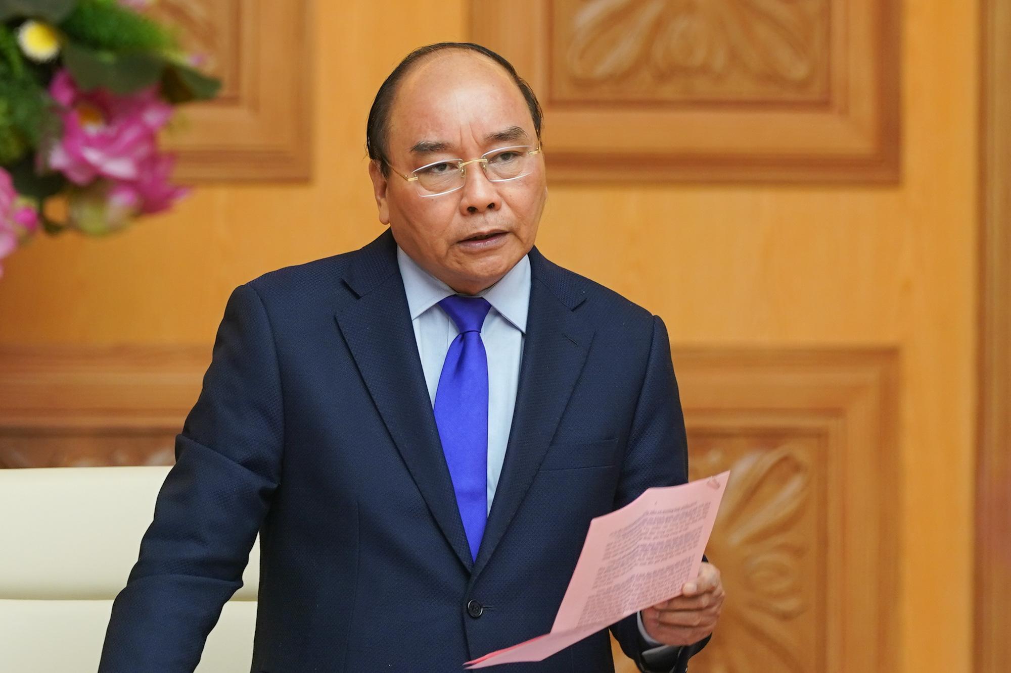 Thủ tướng Nguyễn Xuân Phúc tại cuộc họp chiều 30/1. (Ảnh qua vnexpress)