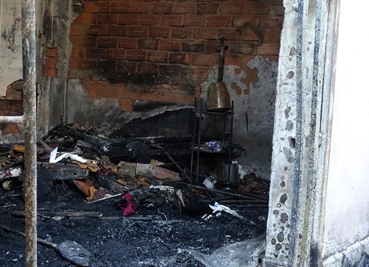 TP. HCM Cháy nhà ngày 27 Tết, 5 người trong gia đình thiệt mạng-4
