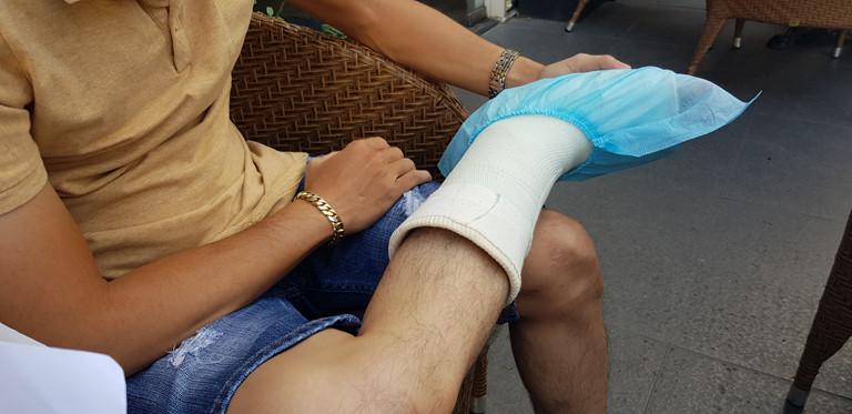 TP.HCM Gãy xương nhưng bị bác sĩ chuẩn đoán bong gân, không cho hưởng BHYT-ảnh 1