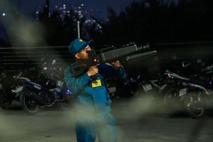 TP. HCM Hàng loạt Flycam bị bắn rơi khi quay cảnh bắn pháo hoa chào đón năm mới-ảnh 1
