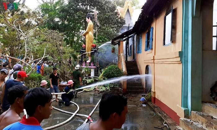 Trà Vinh: Ngôi chùa cổ hơn 1.400 năm tuổi đột nhiên bốc cháy